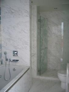 Volakas, hotel bathroom